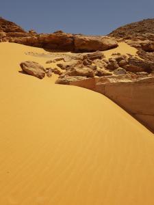 Temple de Derr dans la dune de sable
